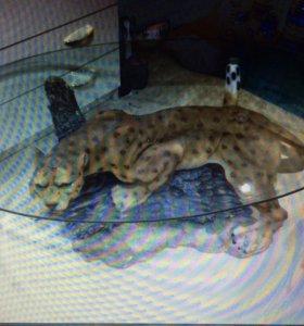 Журнальный столик леопард