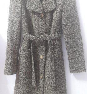 Пальто р-р 40-42
