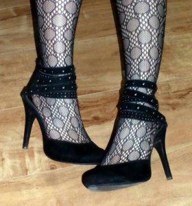 Черные туфли на высоком каблуке размер 39