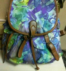 Рюкзак хороший вместительный