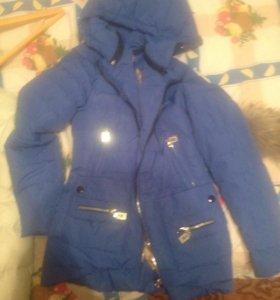Куртки, первая 2000₽ торг новая полностью, 2я 500₽