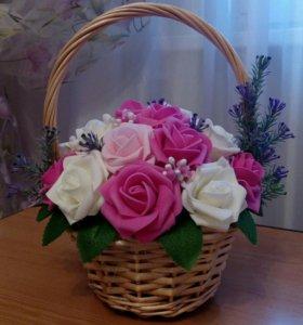 Корзина с розами,Цветочные композиции,топиарий