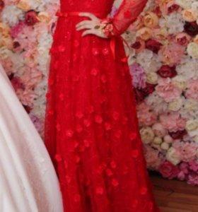 Платье одета один раз размер s-m