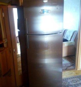 Холодильник 180-57-71 см. Кампютрний с сенсором