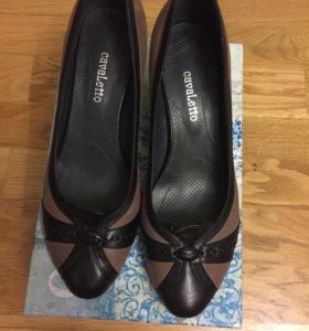 Новые туфли ( кожаные )
