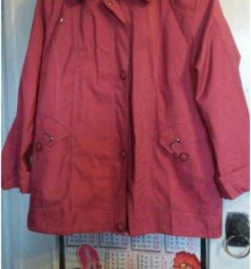 Женская куртка ветровка.