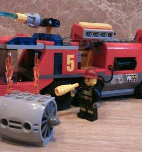 Лего 60061 Пожарная машина для аэропорта