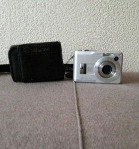 фотоаппарат с чехлом(акк.батарейки)
