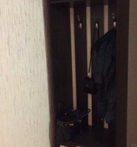 Шкаф вешалка