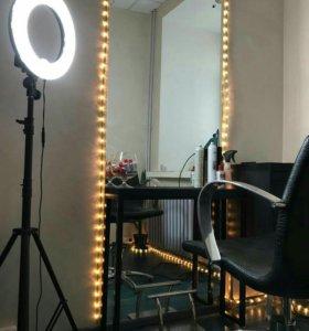 Консоль или приставной столик для парикмахерской