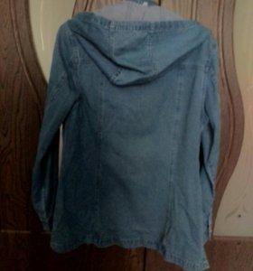 Куртка джинсоввя