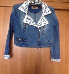 Курточка,джинсовая