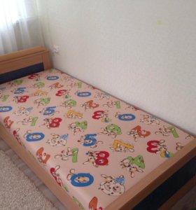 Кровать 2 м длинна, 90 см Ширина 5500₽. Самовывоз.