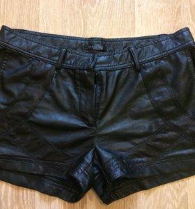 Клевые шорты из кожзама
