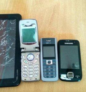 Телефоны и планшет на запчасти.