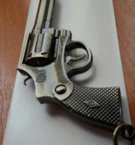 Брелок оружие.
