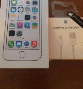 Продам коробку iPhone 5s и зарядки