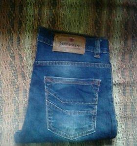 Мужские джинсы,новые.