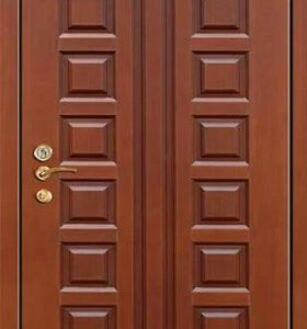 Входная дверь филенчатая