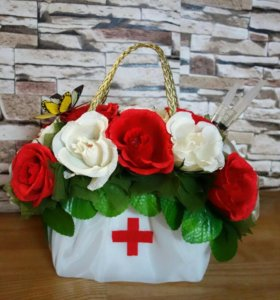 Сладкая сумочка доктора, в цветах конфеты Рафаэлло