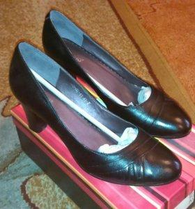 Туфли Inario, Orma, Mott на 40 размер