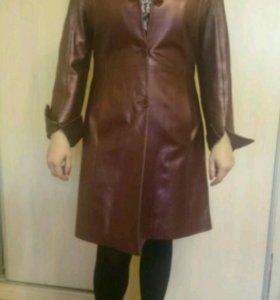 Кожанное пальто 44-46р-р