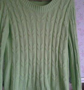 Ярко-салатовый свитер48-50рр