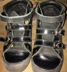 Детские осенние ботинки для девочки
