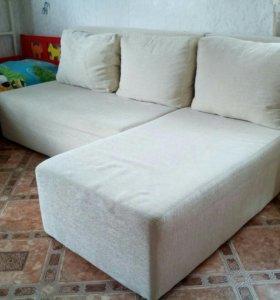 Угловой диван,на гарантии