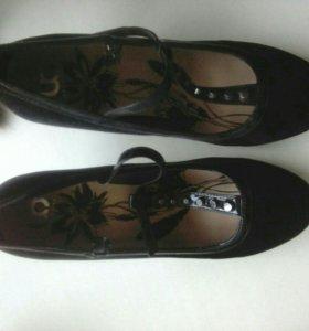 Туфли новые.размер 40