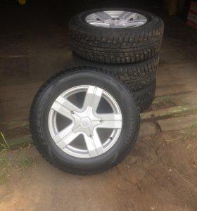 Комплект колёс на Шевроле Нива