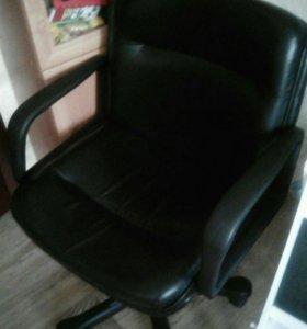 Коженые креслы