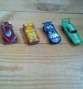 4 машинки Hot wheels