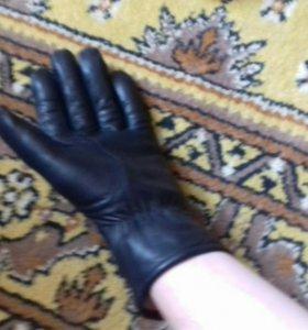 Кожанные перчатки б/у