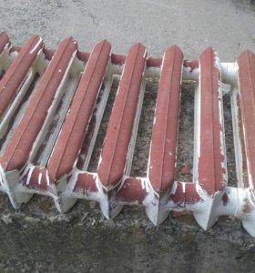 Чугунный б/у радиатор на 9 секций