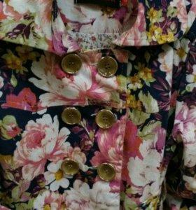 Пальто для девочки 3-4 г