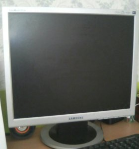 Монитор с клавиатурой