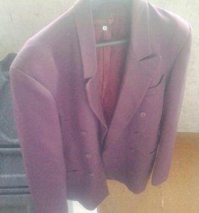 Пиджак малиновый