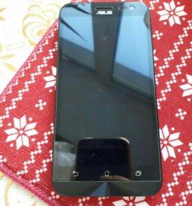 Телефон ASUS ZenFone 2 ZE500KL