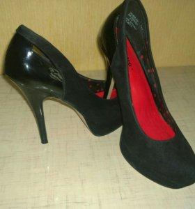 Замшевые туфли размер 38,5( новые)