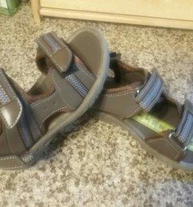 Новые сандалии стелька 16,5 см р-р 27