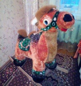 Верблюд качалка, для детей.