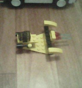 Звёздный истребитель LEGO