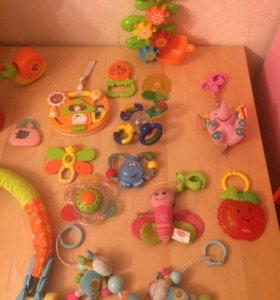 Пакет игрушек погремушек