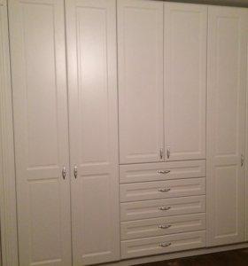 Шкафы купе,гардеробные комнаты,кухни,библиотеки.