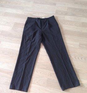 Тонкие мужские брюки