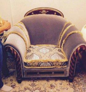 Перетяжка мебели, пошив штор и чехлов.