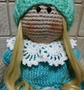 Куколка в ажурном платье