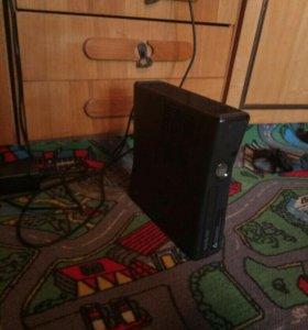 Xbox 360, 250 GB чёрный.
