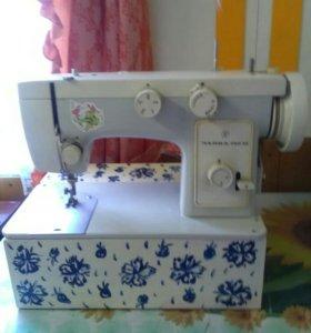 Швейная машина с электроприводом.Чайка.